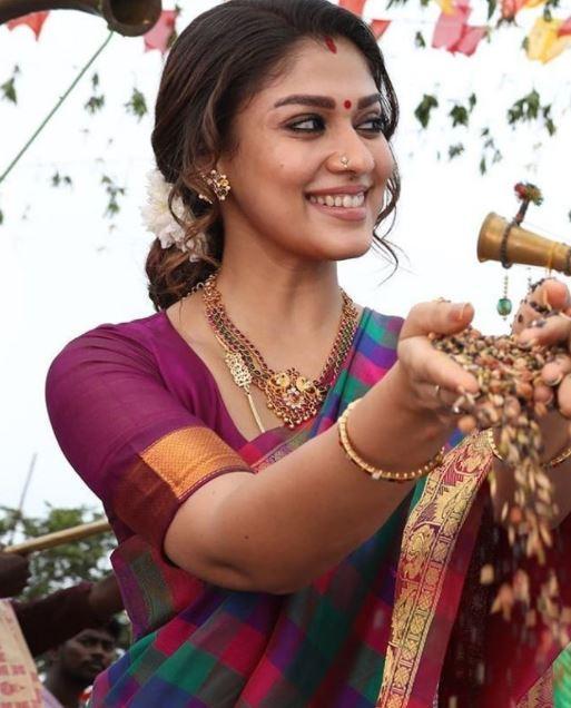 Lady Super Star Nayanthara's Nizhal Flim