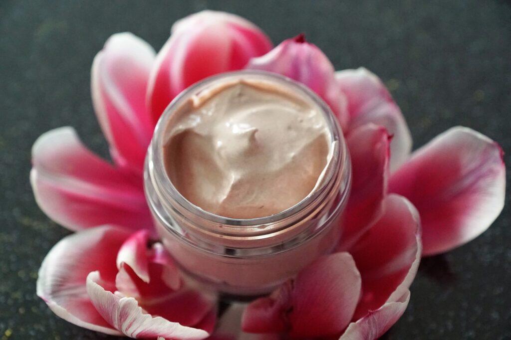 Benefits of paneer Rose For Skin