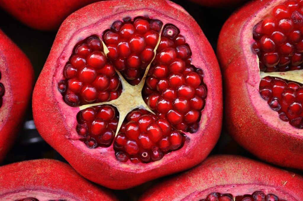 7 Foods For Glowing skin in Tamil